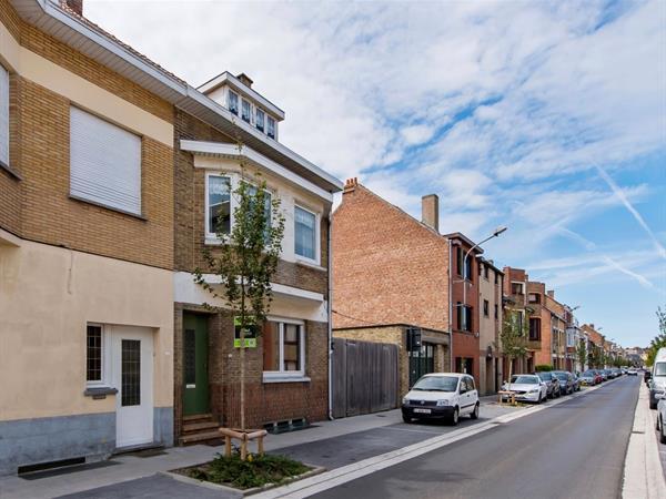 Ruime woning met tal van mogelijkheden in centrum De Panne