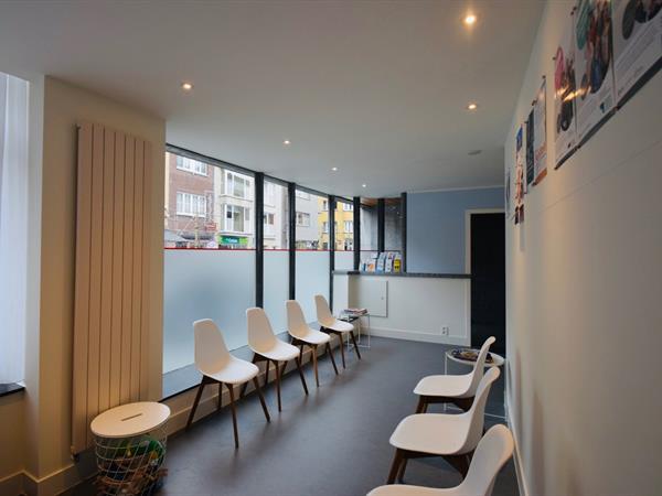 Praktijk- of kantoorruimte te huur in het centrum van Diksmuide.
