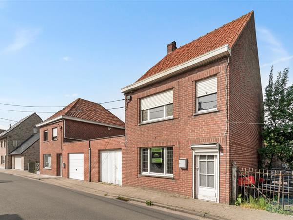 Te renoveren woning met heel wat potentieel