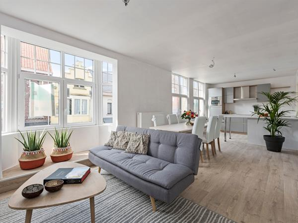 Prachtig appartement met super ruim terras in centrum Diksmuide