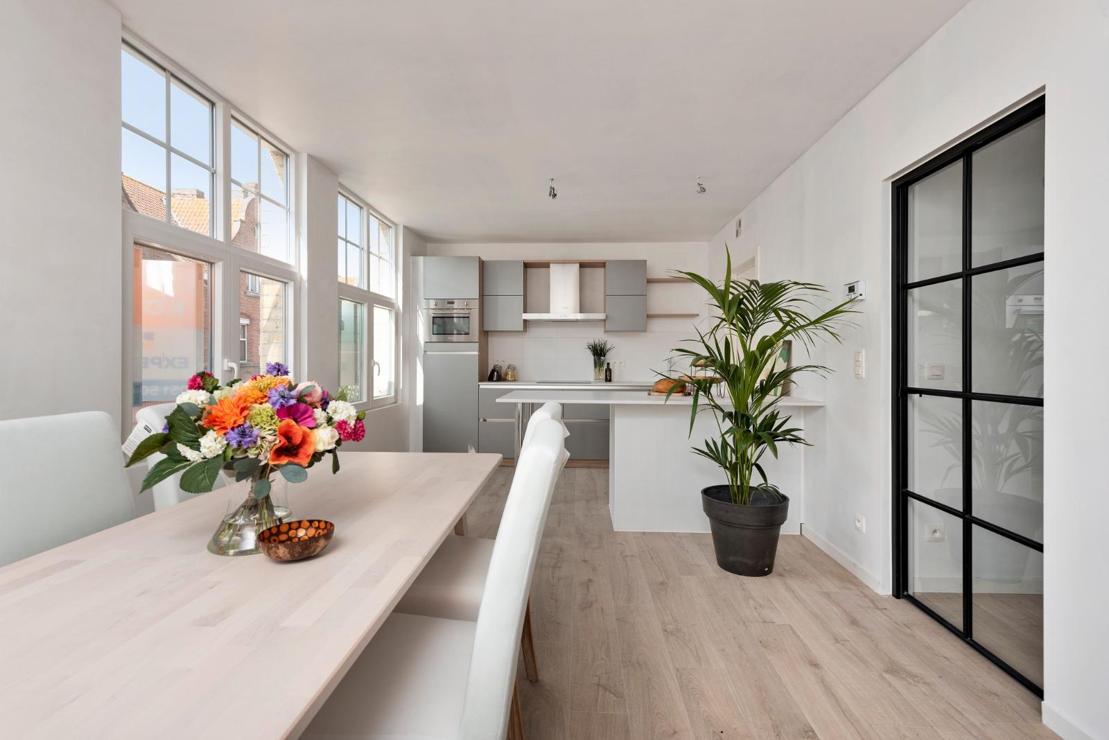 Prachtig appartement met super ruim terras in centrum Diksmuide - 2
