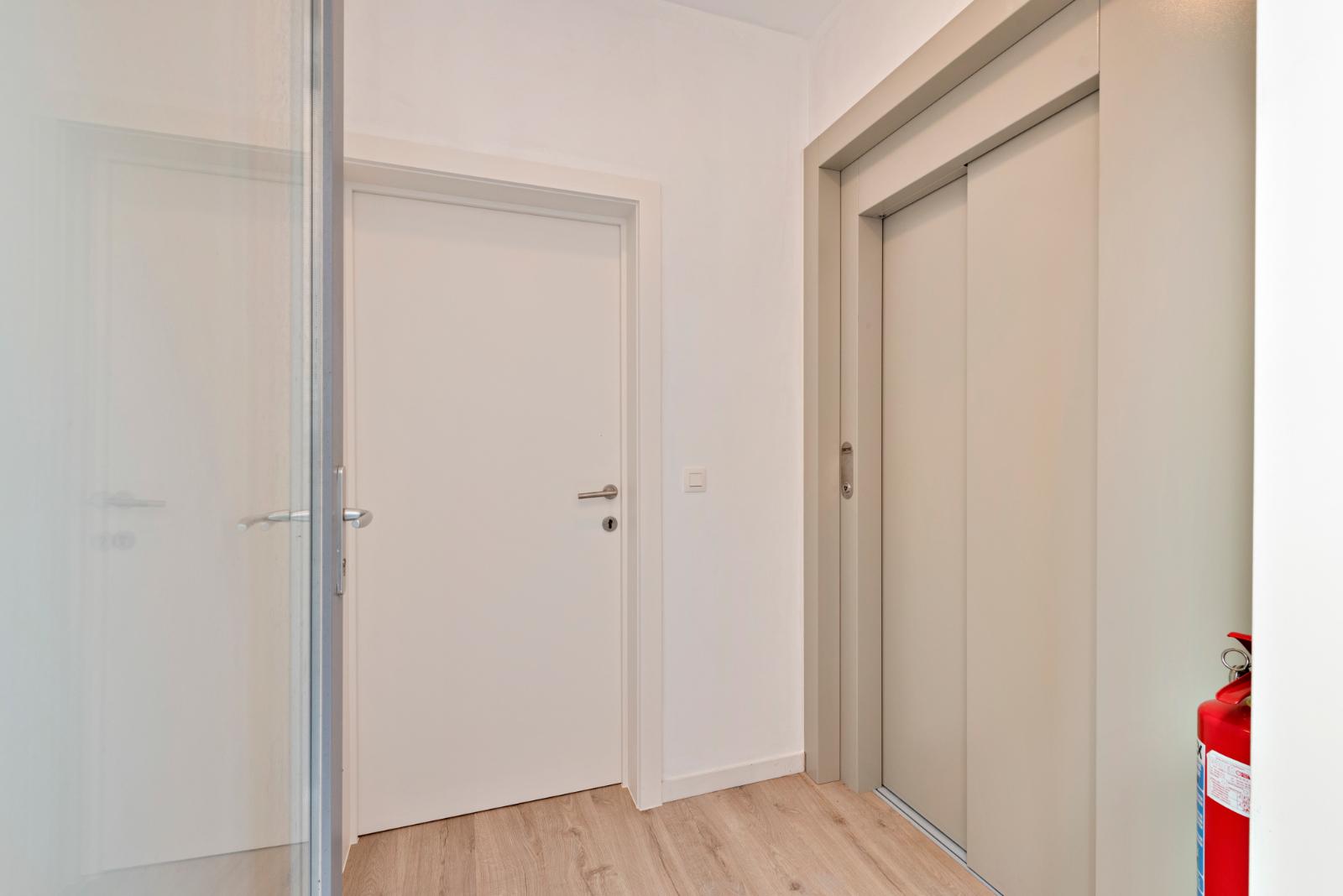 Volledig gerenoveerd appartement op centrale ligging - 10