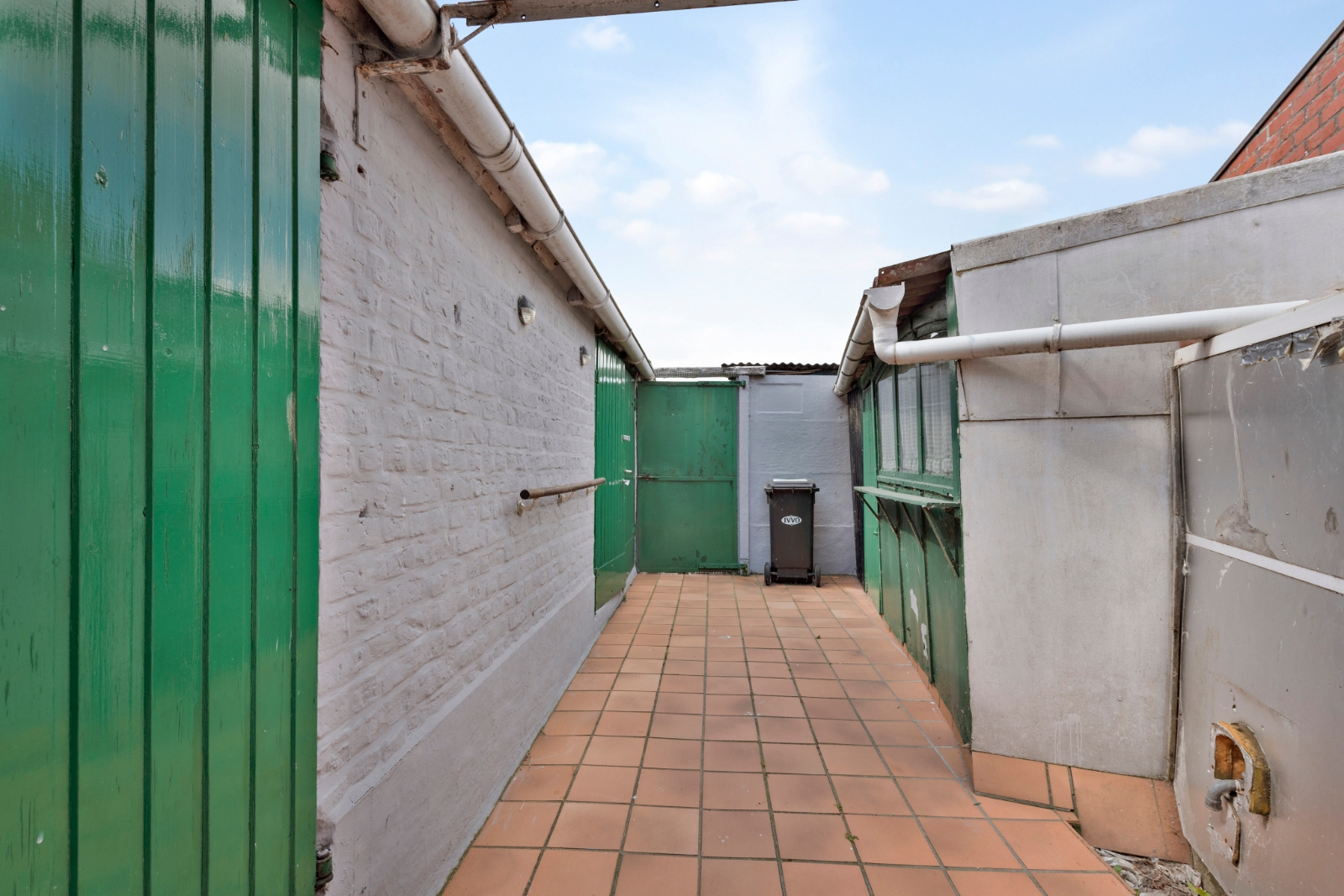 Woning met tal van mogelijkheden in centrum van Brielen - 10