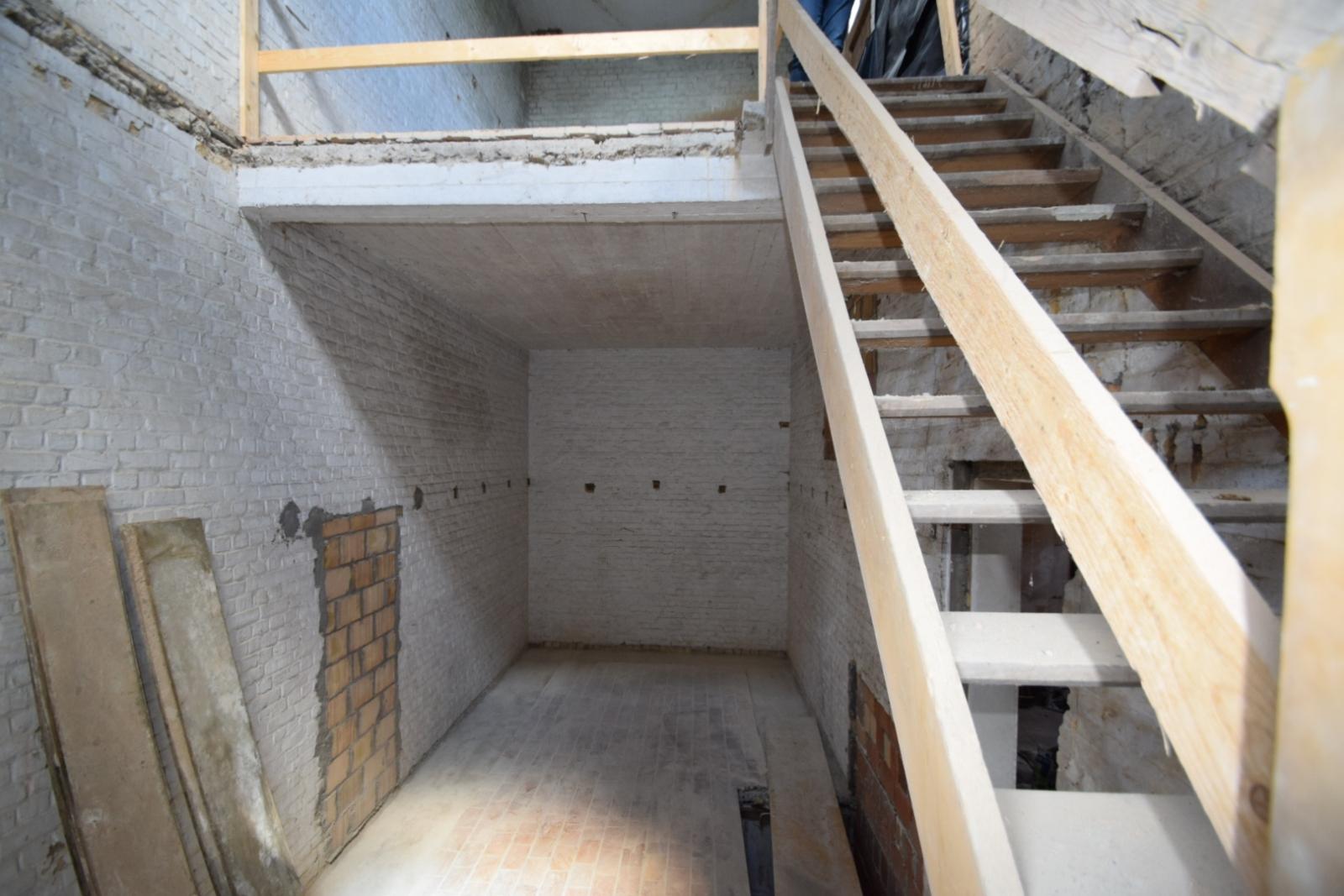 Verder af te werken penthouse (112m²) in centrum Diksmuide - 7