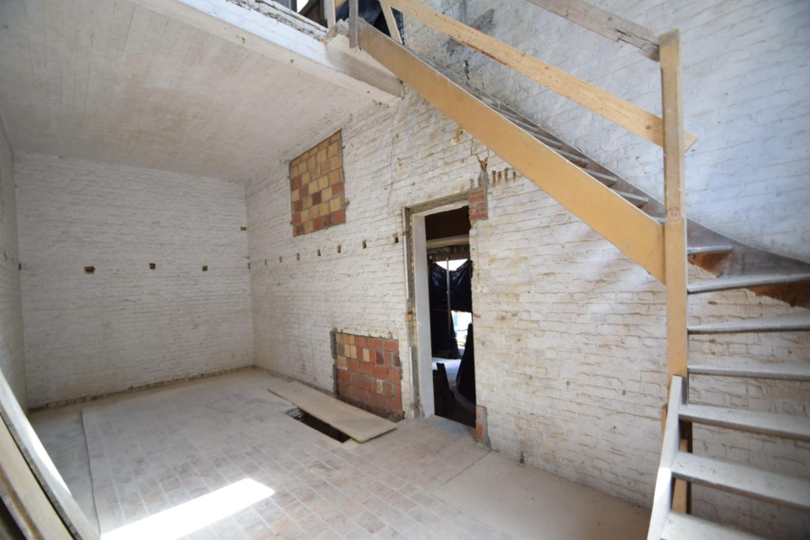 Verder af te werken penthouse (112m²) in centrum Diksmuide - 8
