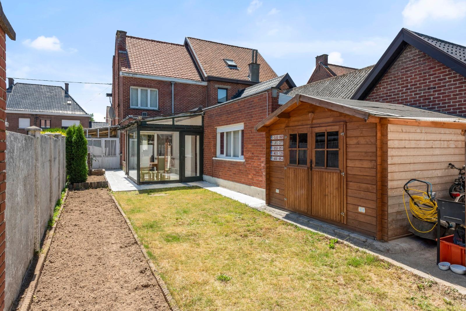 Ruime gezinswoning met zonnige tuin - 14