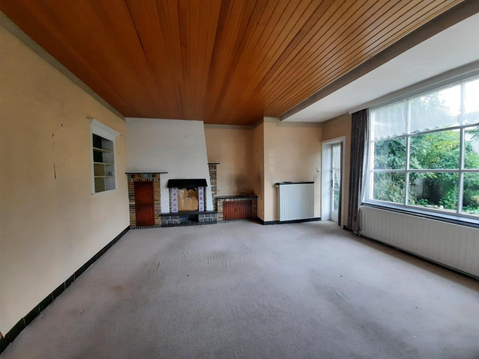 Centraal gelegen, te renoveren woning met mogelijkheid tot tweewoonst - 5