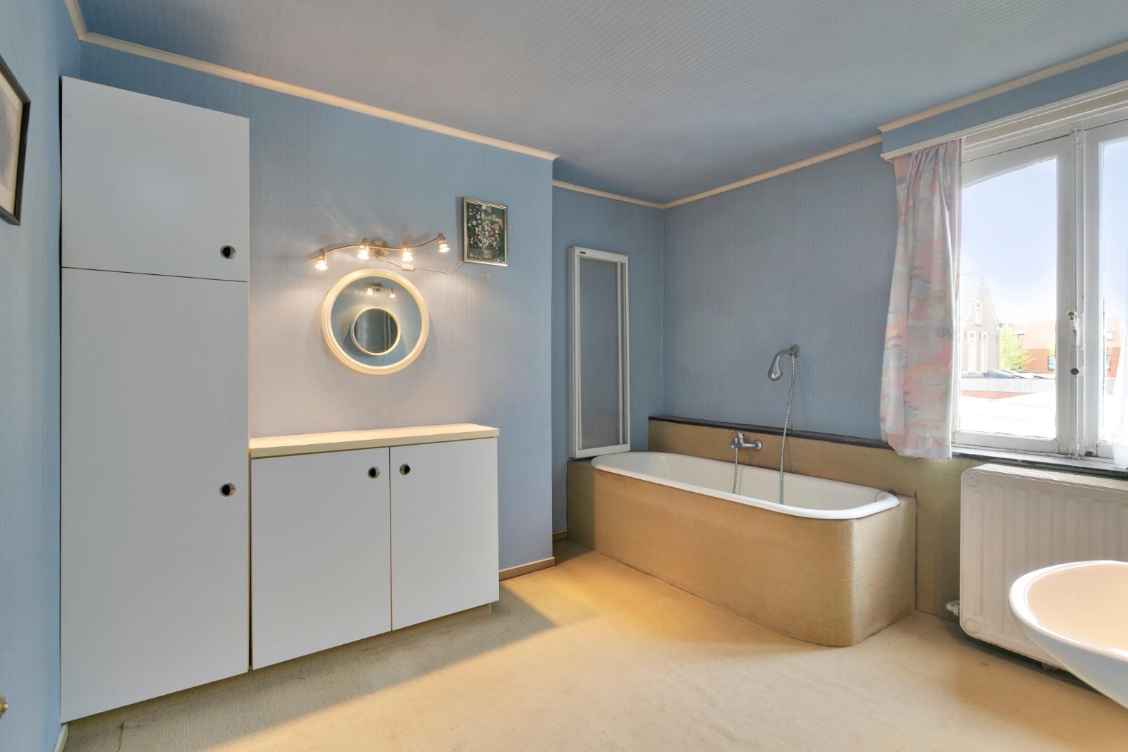 Centraal gelegen, te renoveren woning met mogelijkheid tot tweewoonst - 14