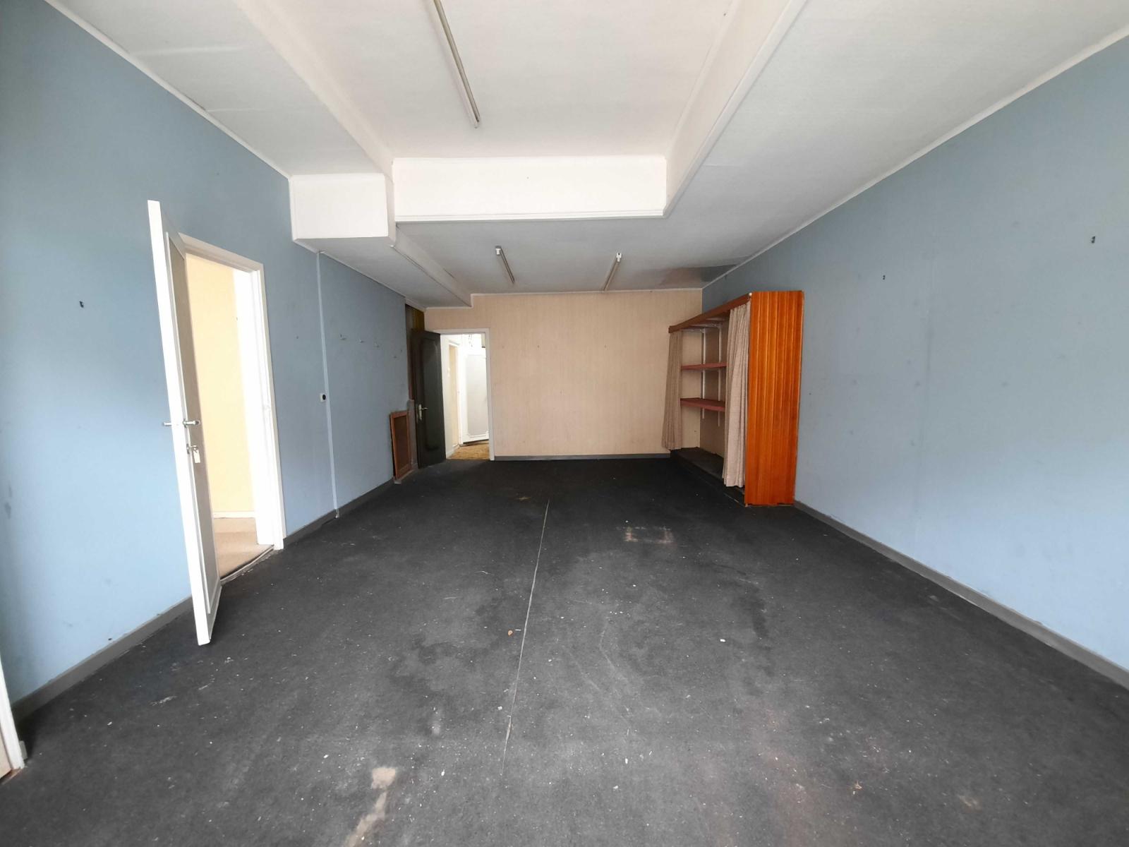 Centraal gelegen, te renoveren woning met mogelijkheid tot tweewoonst - 16
