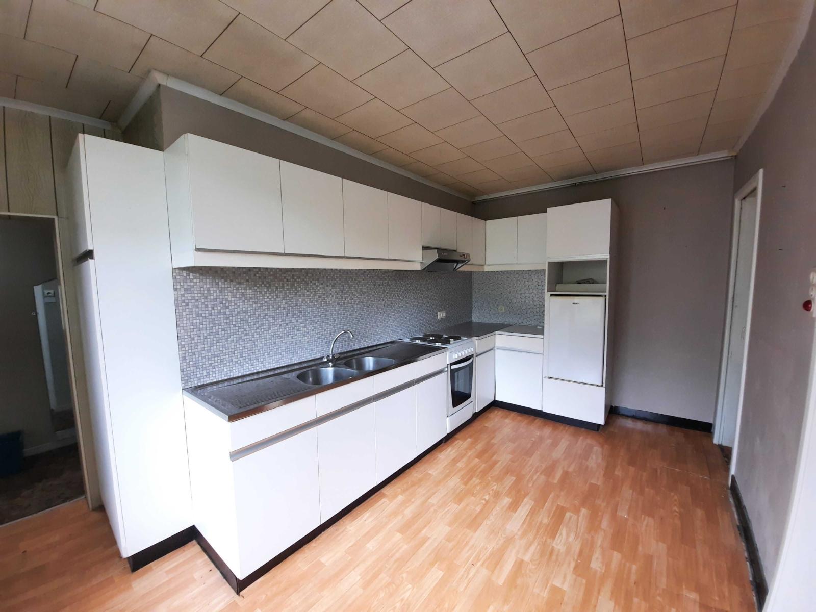 Centraal gelegen, te renoveren woning met mogelijkheid tot tweewoonst - 10