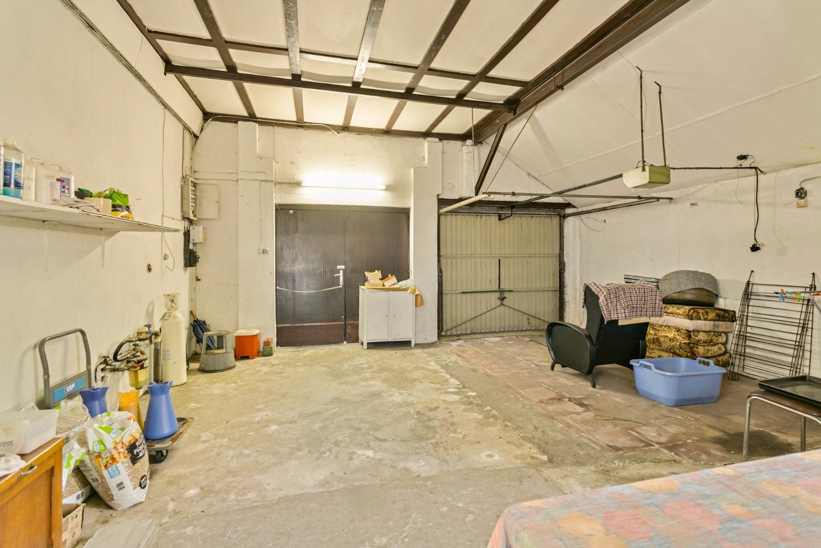 Vrijstaande, te moderniseren woning met grote tuin en dubbele garage in de stadsrand van Roeselare - 16