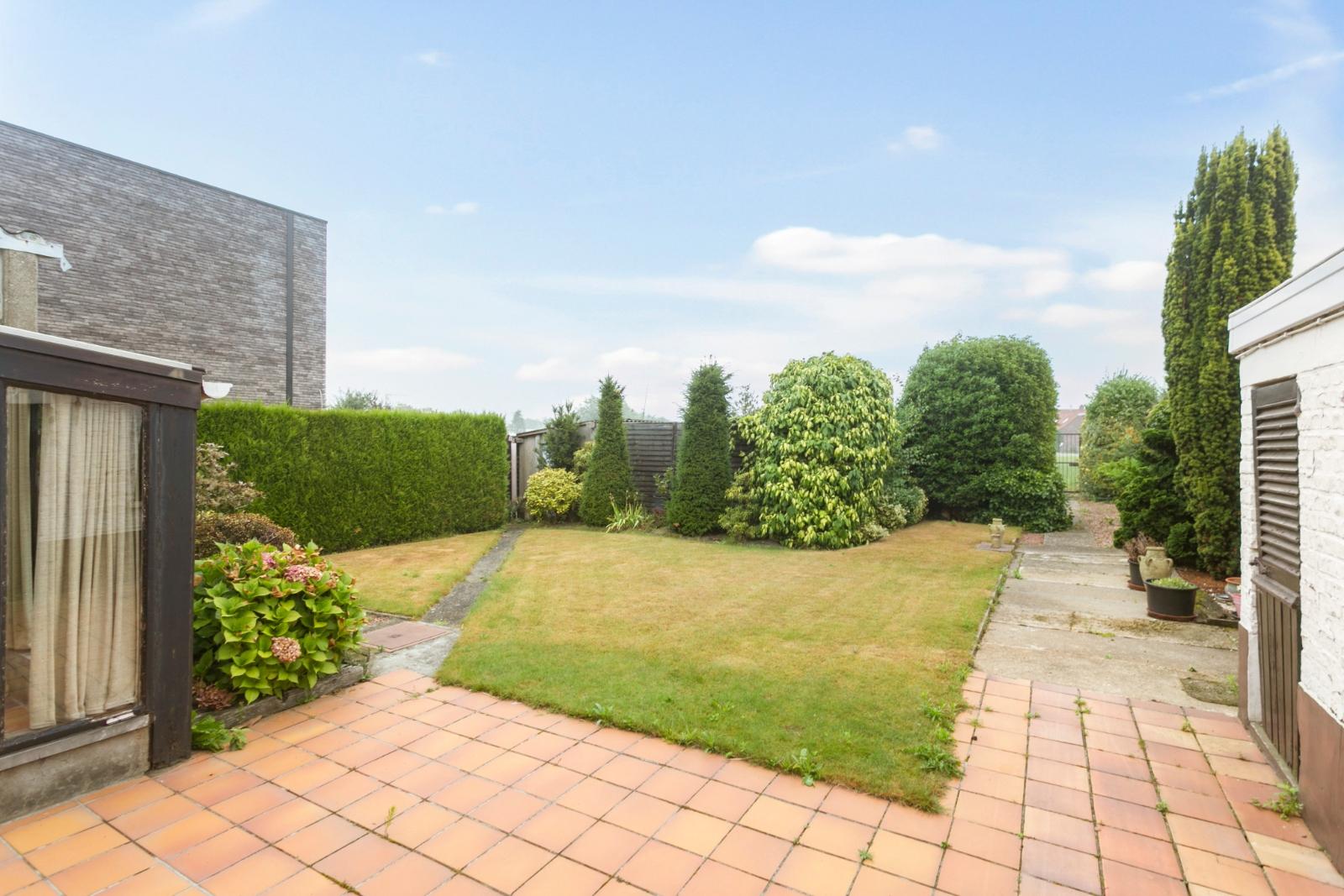 Vrijstaande, te moderniseren woning met grote tuin en dubbele garage in de stadsrand van Roeselare - 19