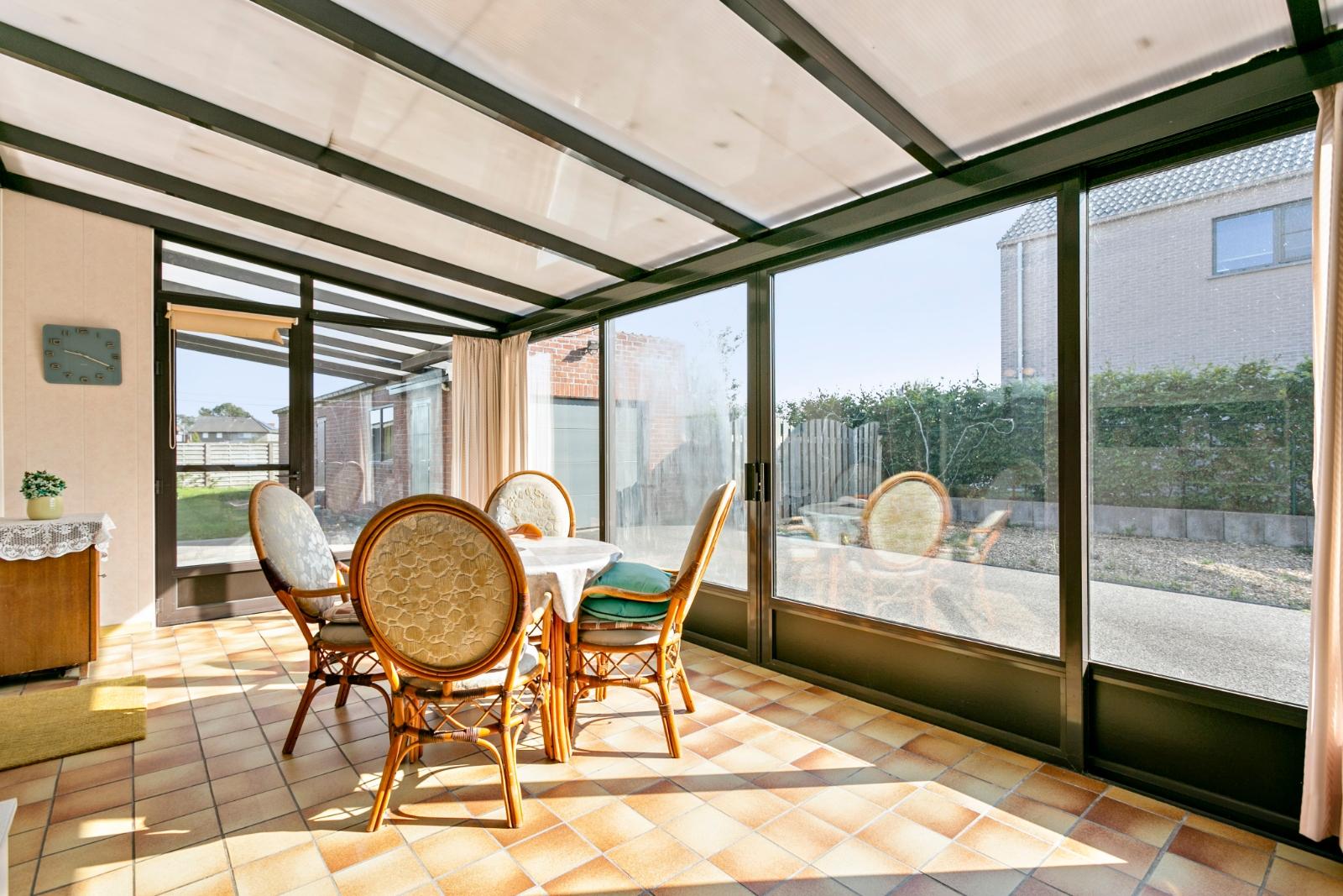 Charmante, halfopen bebouwing met tuin en garage - 11