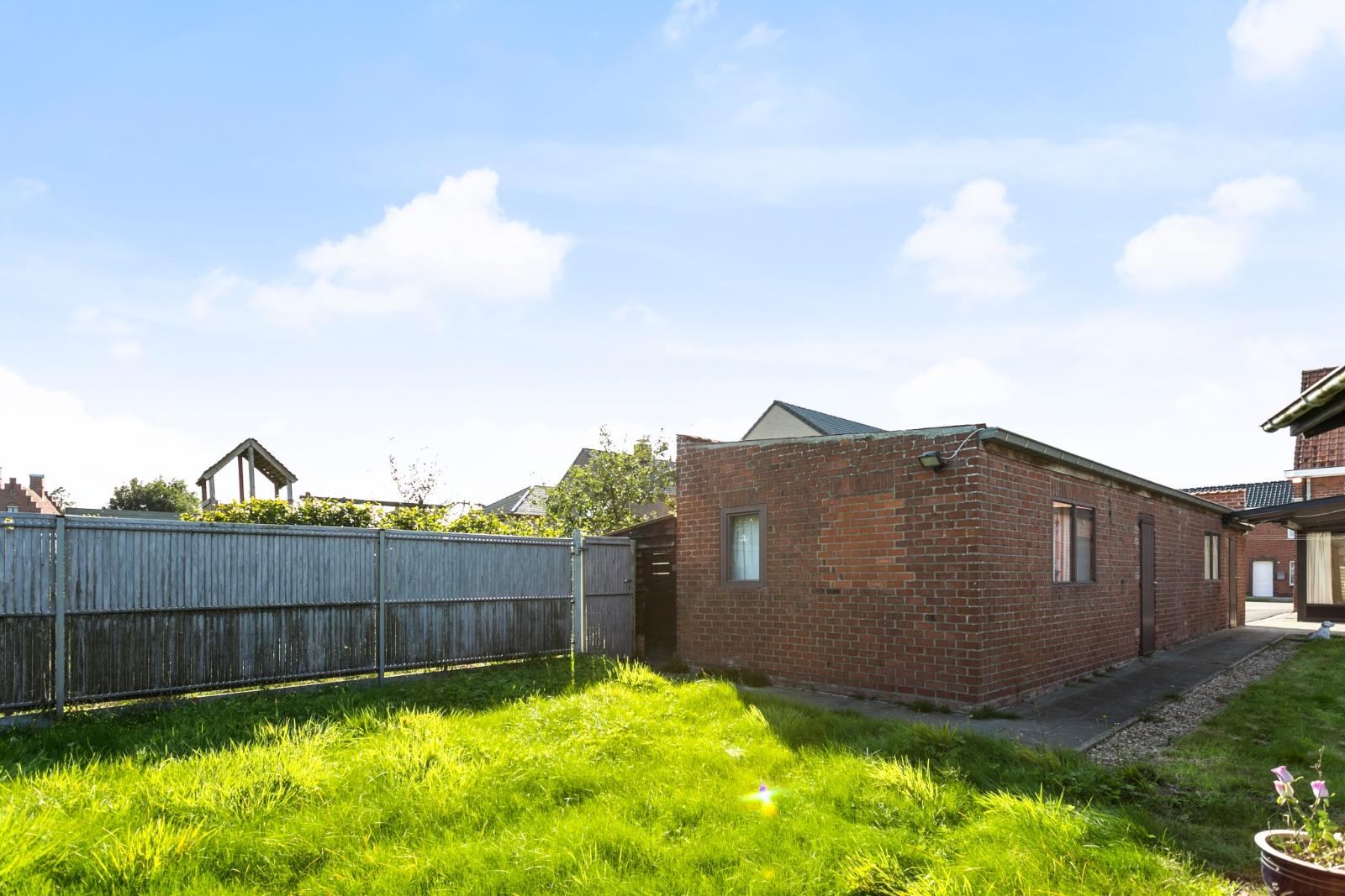 Charmante, halfopen bebouwing met tuin en garage - 20