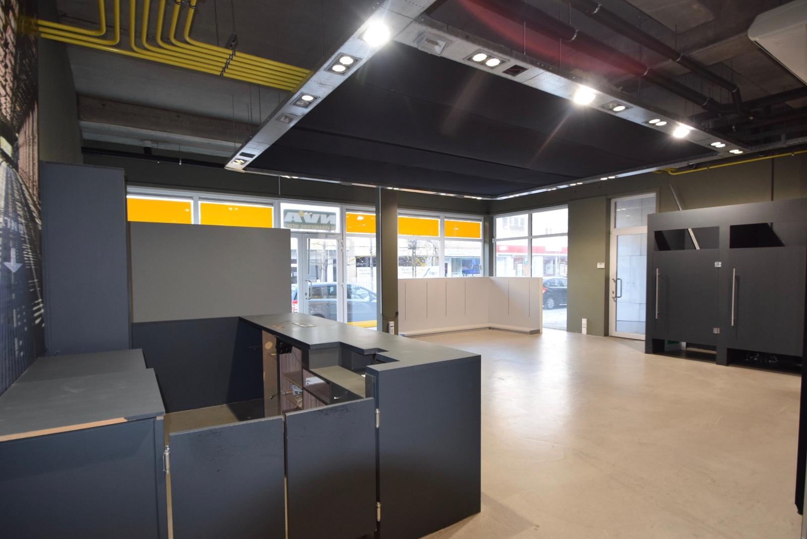 Goed gelegen commercieel handelspand te huur in hartje van Diksmuide - 2