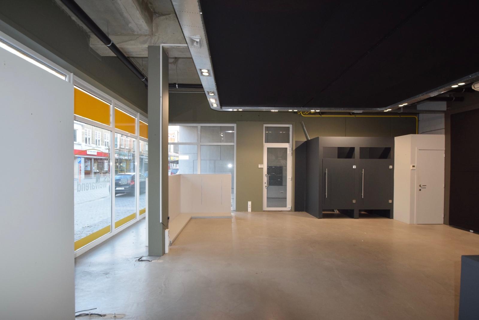 Goed gelegen commercieel handelspand te huur in hartje van Diksmuide - 3