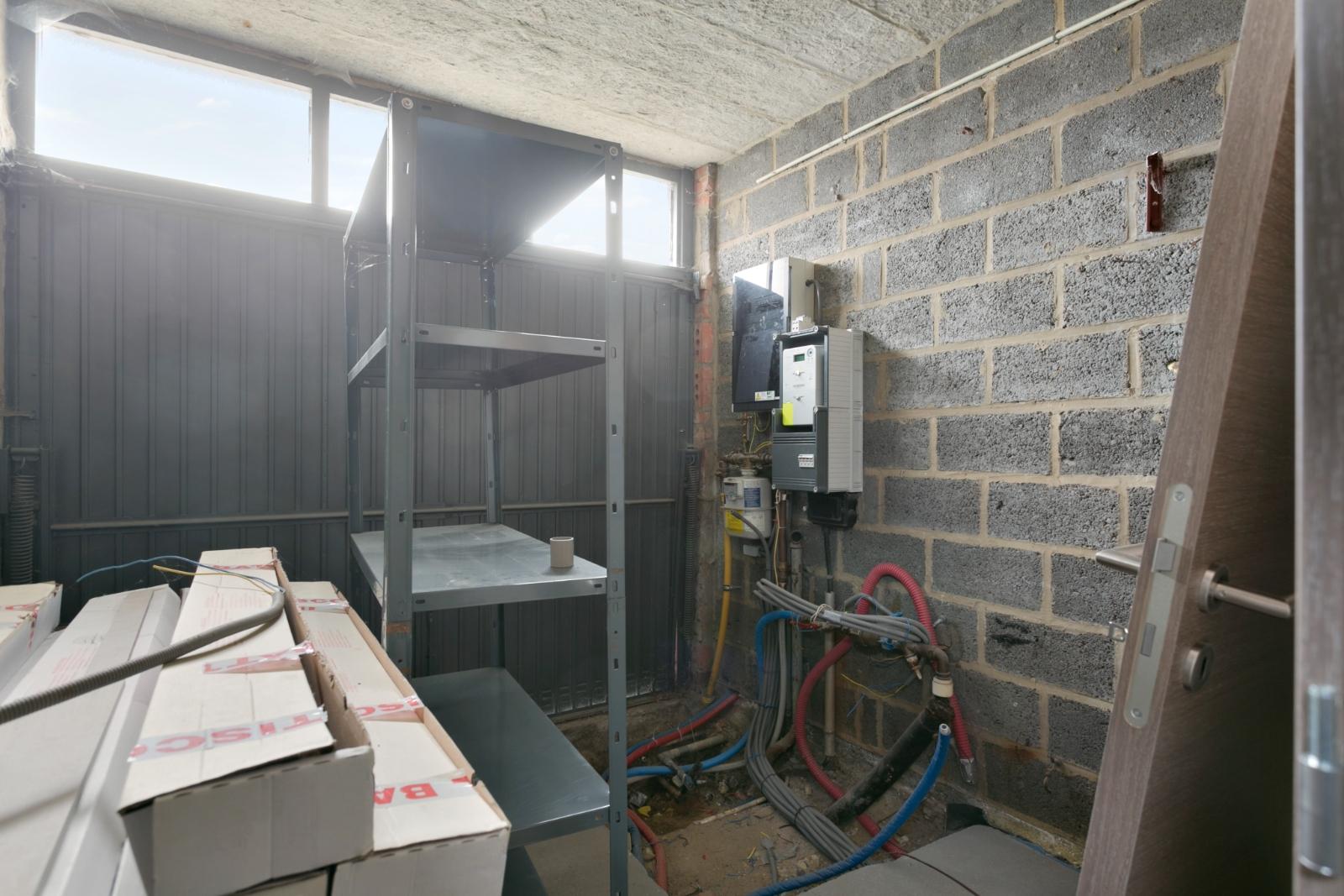 Halfopen woning met 3 slpk, gelegen op perceel van 1.165 m2 - 16