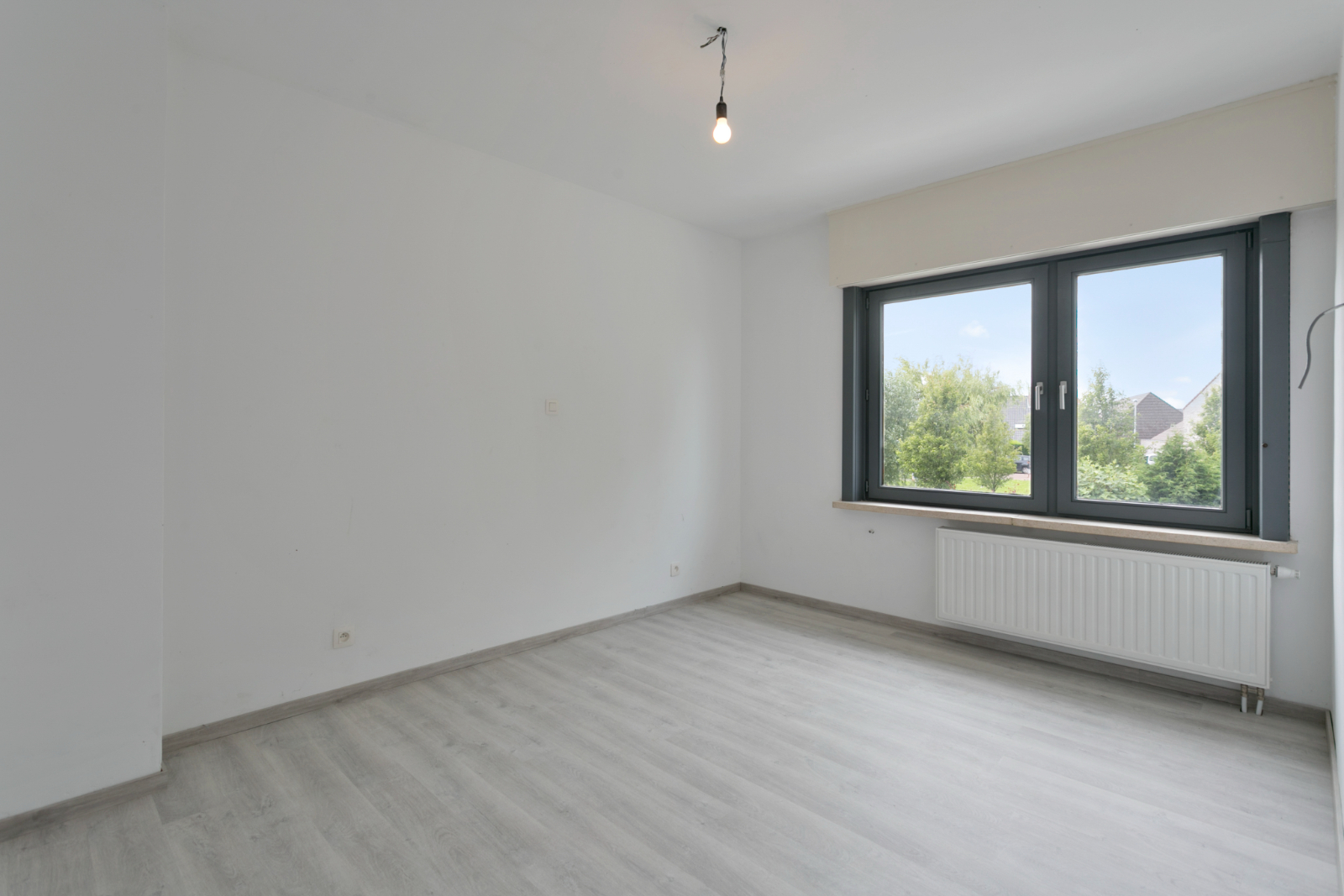 Halfopen woning met 3 slpk, gelegen op perceel van 1.165 m2 - 20